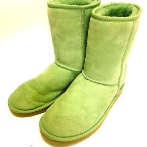 UGG W8 Classic Short 5825 Lime Green Boots